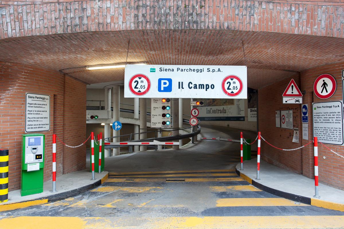 """""""Il Campo"""" Car Park"""