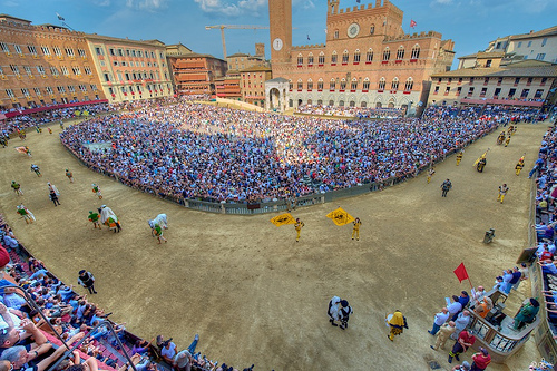 """Multiple reservations for """"Il Palio"""""""